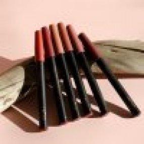 Inika Organic Lipstick Crayon Chilli Red krémová tužka na rty